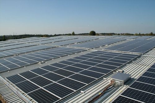 Photo: rooftop solar panels