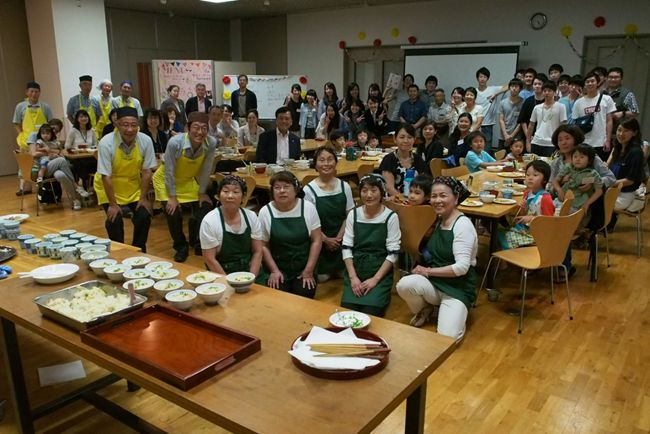 Marginal Community, Urban Citizens, College Students Collaborate for Kodomo-Shokudo Project