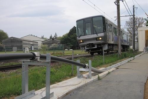Train_Using_Superconducting_Cable.jpg