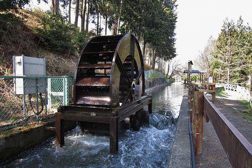 写真:波田水車