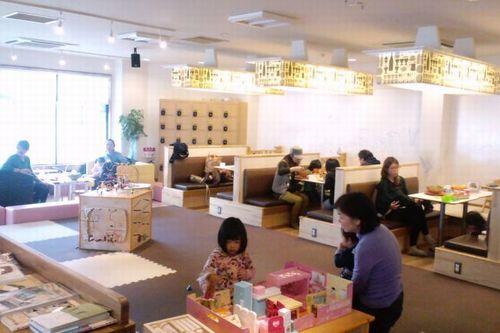 写真:子育てカフェ