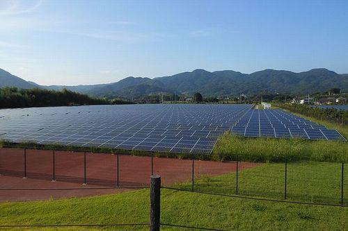 写真:吉野ヶ里メガソーラー発電所