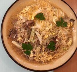写真:タイ風 春雨と缶詰のイワシ、小エビ、キャベツ、卵の炒め物