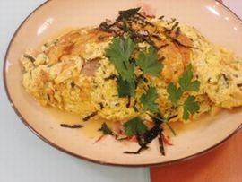 写真:松茸の味お吸い物で味付けをした高野豆腐入りのオムレツ