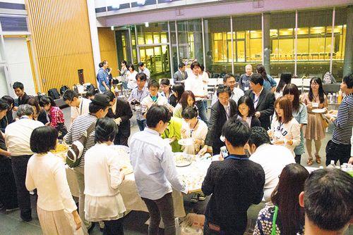 写真:フードロス・チャレンジ・プロジェクト主催のシンポジウムでの懇親会の様子